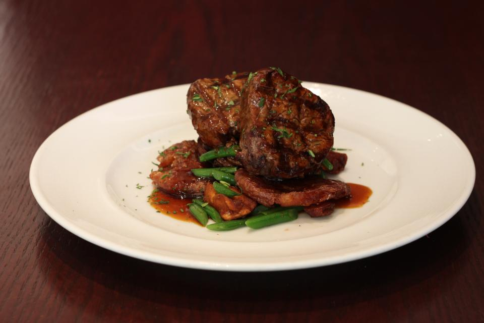 MARLOWS TAVERN ON I-DRIVE ORLANDO WARMS UP ITS MENU WITH NEW FALL FAVORITES